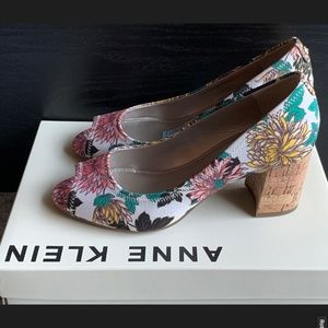 NIB! Anne Klein Meredith Peep Toe Pumps in Floral